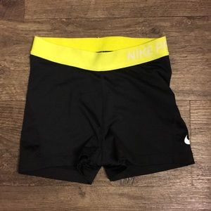 Nike pro dri-fit black shorts size xs